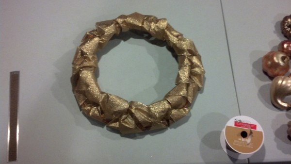 Here is the wreath before adding the gourds, doesn't look too bad just like that either!